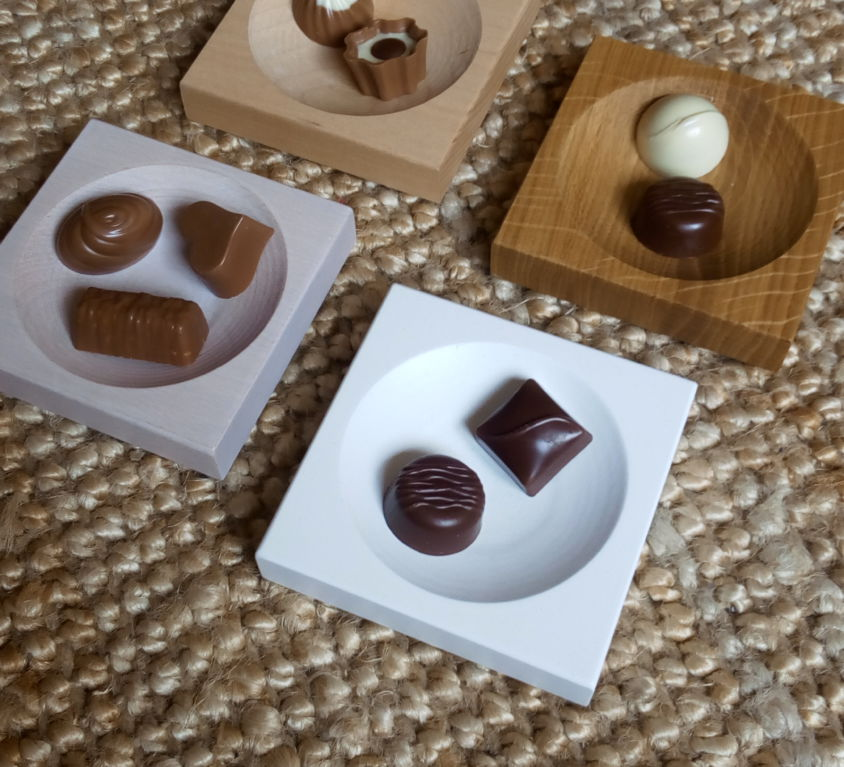 Wooden bases for chocolates and candies